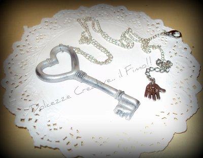 ★★SALDICollana chiave di Alice in fimo e cernit