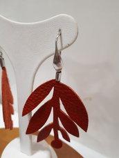 Orecchini foglia rossa
