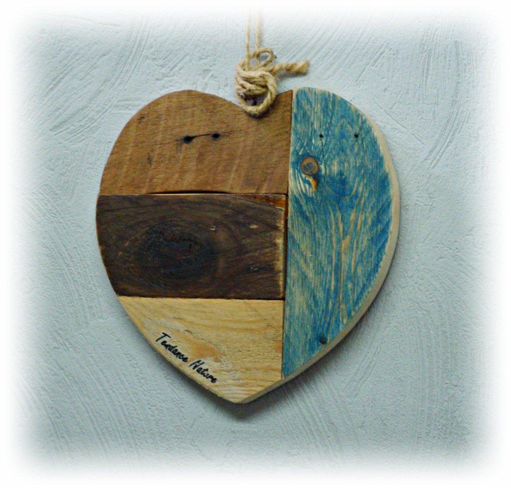 Cuore decorativo in legno di recupero