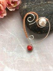 Ciondolo cuore wire di rame con perle
