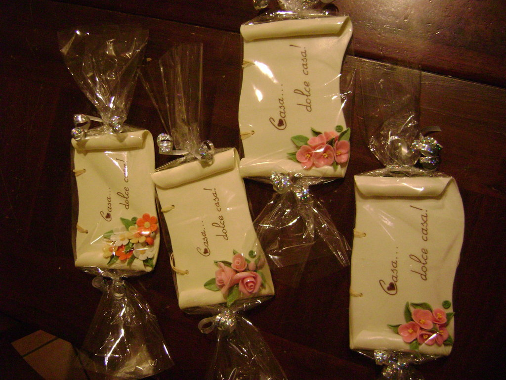 Targhette personalizzate in pasta di mais con scritto casa - Oggetti design regalo ...