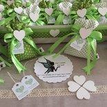 Sacchettino porta confetti promessa di matrimonio con cuore di legno
