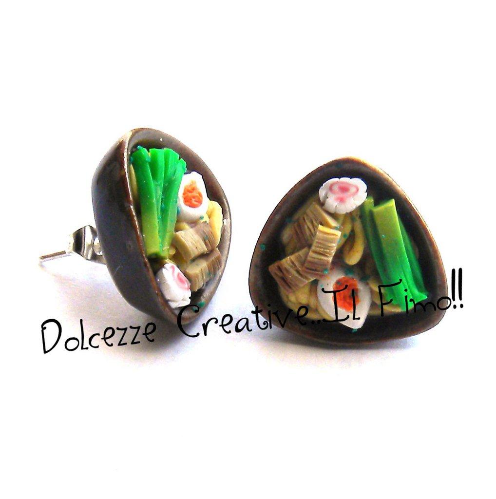 Orecchini Ramen - handmade in fimo e cernit con uova, spaghetti, carne e verdure - miniature handmade