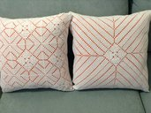 Coppia di cuscini all'uncinetto