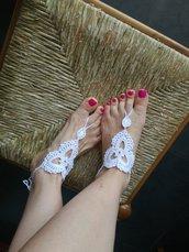 Sandali a piedi nudi fatti a mano, sandali bianchi, cavigliera fatta a mano