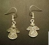 Orecchini pendenti in metallo con monachella. Angeli