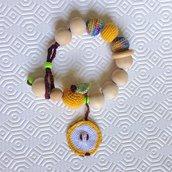 Bracciale da allattamento massaggiagengive con perle e mela amigurumi fatto a mano