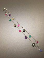 Collana con pietre sfaccettate a forma di goccia, colori diversi