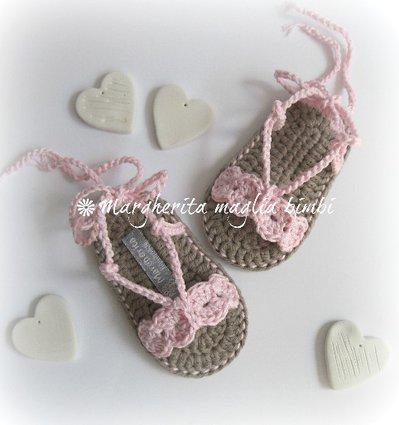Scarpine neonata/sandali uncinetto cotone rosa con laccetto alla caviglia - fatti a mano