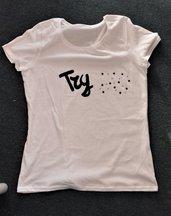 T-shirt 100% cotone con il nostro 'TRY JS'