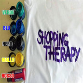 T-shirt 100% cotone 'SHOPPING THERAPY'