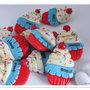 Cupcake con calamita realizzati a mano in pasta di mais. Bomboniera compleanno bimbo