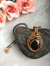 Collana ciondolo wire con pietra dura onice nera e filo di rame