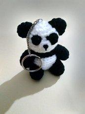 Panda portachiavi amigurumi a maglia (7 cm)