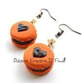 Orecchini Macarons heart - Macaron arancioni all'arancia e cioccolato  - miniature handmade