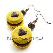 Orecchini Macarons heart - Macaron limone e gocce di cioccolato  - miniature handmade