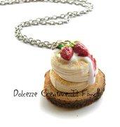 Collana Pancake soffici con crema e marmellata di fragole - fagoline di bosco - kawaii handmade miniature