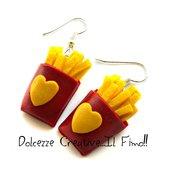 Orecchini Pacchetto di patatine fritte - idea regalo handmade miniature - in fimo e cernit