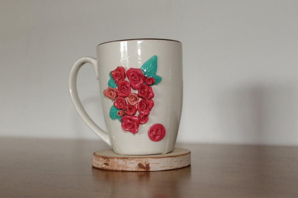 tazza rose rosse