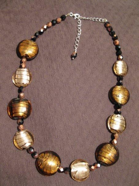 Collana con perle in vetro e cristalli Boemia - colore bronzo