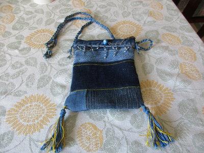 Borsetta piccola in jeans con decorazioni