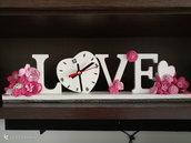 """Orologio in legno """"love"""""""