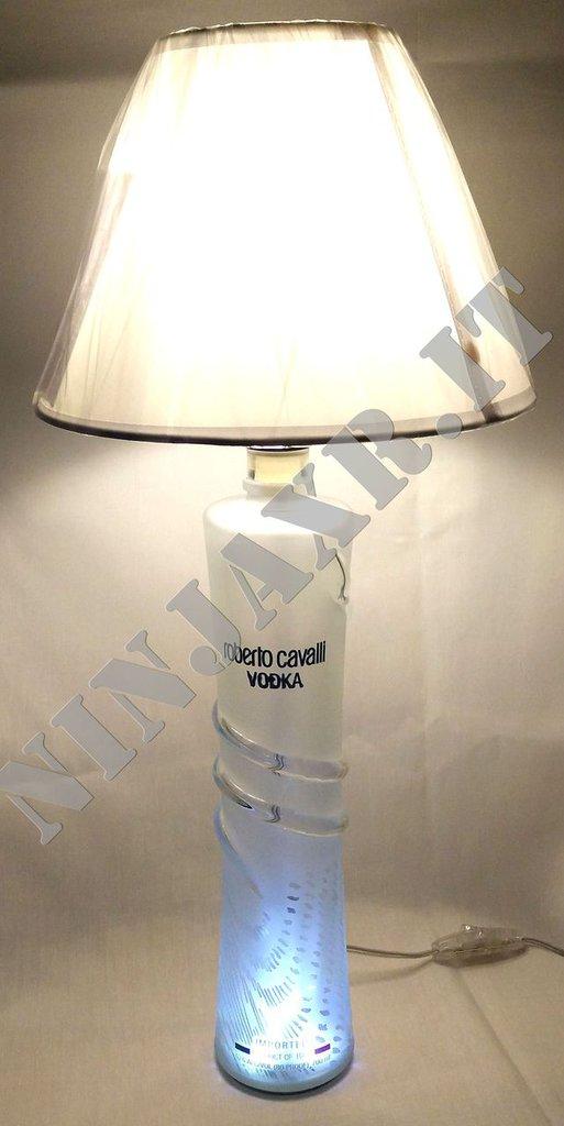 Lampada Bottiglia Vodka Roberto Cavalli riciclo creativo LED riuso arredo design idea regalo