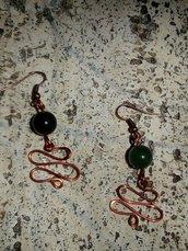 orecchini ricciolo di rame e agata verde