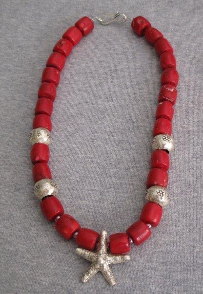 Collana con corallo bambù e stella marina in argento indiano