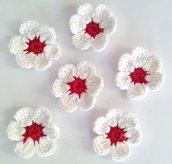 Fiori a uncinetto per applicazioni / Set di 6 fiori /Scrapbooking/Rosso & Bianco