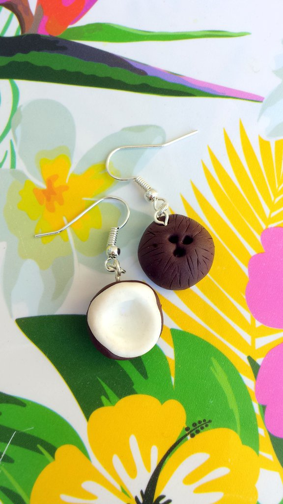 Orecchini noce di cocco in fimo, orecchini estivi, gioielli per l'estate, gioielli per il mare, miniatura, gioielli tropicali, bambina