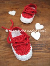 Scarpine neonato/sneakers tennis cotone rosso fondo bianco - uncinetto
