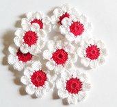 Fiori a uncinetto per applicazioni / Set di 10 fiori a uncinetto/ Fiori per Scrapbooking/ Margherite rosse a uncinetto set di 10