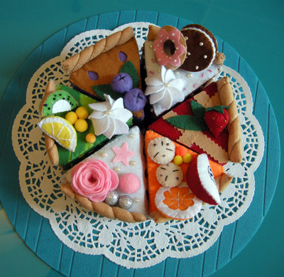 torta di feltro, gioco creativo, montessori, Felt Swiss cakes set. Felt bakery. Felt pastry. Toy kitchen. Felt sweets shop