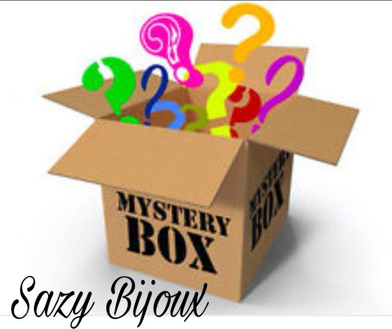MYSTERY BOX / Small: 5 Bijoux a sorpresa tra Bracciali, orecchini, anelli e collane - Accessori Donna, Ragazza