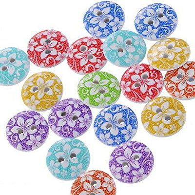 100 Bottoni a 2 Fori colorati in Legno a forma di Cuore Scrapbooking 1,5 x 1,3 cm