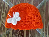 Cappellino Arancione di cotone con farfalla