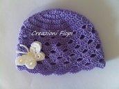 Cappellino Neonato Lilla scuro di cotone con farfalla bianca