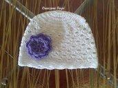 Cappellino Neonato Bianco di cotone con fiore lilla