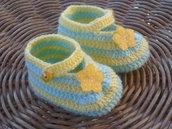 Scarpine  verdi a righe gialle neonato realizzate a uncinetto