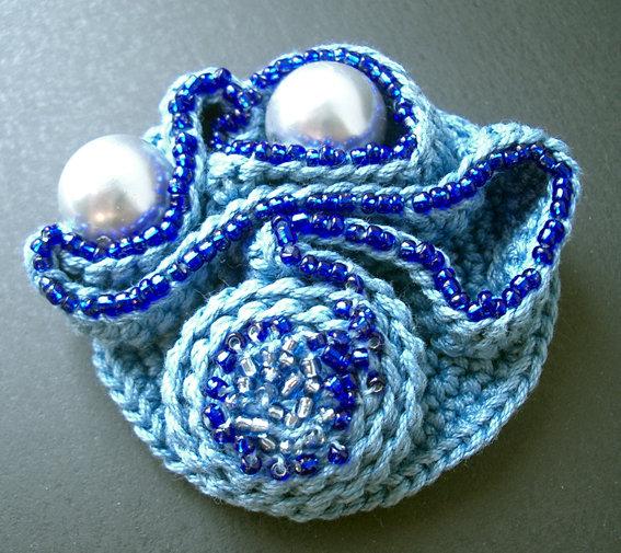 Spilla azzurra