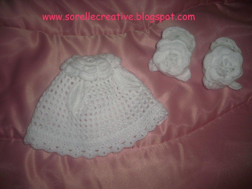 cappellino e scarpine baby