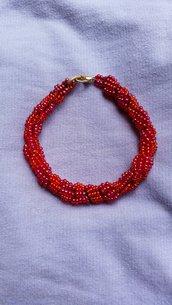 braccialetto di perline rosse