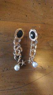 Coppia di orecchini cabochon rettangolare nero anelli catena oro con ciondolini perla è stella marina