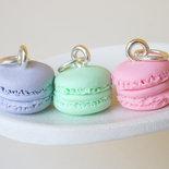 Ciondolo Macaron in colori pastello - Miniature in pasta polimerica - Ciondolo per agenda - Ciondolo bracciale -