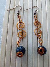 orecchini ricciolo di rame e perla lavica