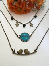 Collana con nome composta da tre bellissime collanine girocollo con cammeo, stelline e perline nere. (Tre collane in una)