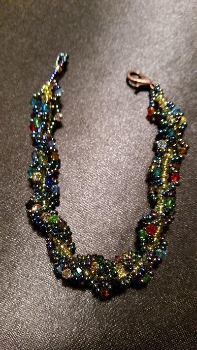 braccialetto a spirale con bicono colorati