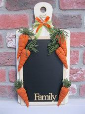Lavagna cucina con carote in tessuto fatte a mano