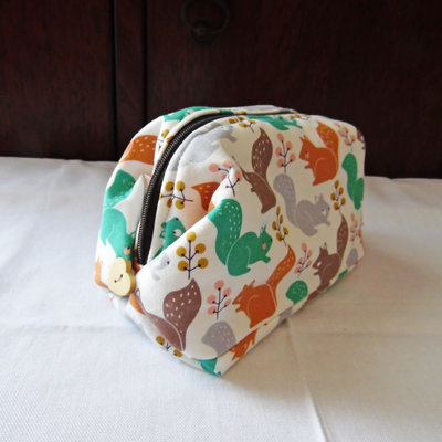 Mini bauletto da borsetta bianco con scoiattoli